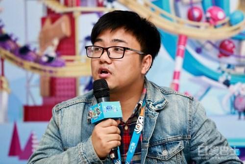 TGC腾讯游戏嘉年华2015如今正在上海火热举办,活动展出了许多腾讯旗下的不同游戏。而众多游戏制作人也接受了媒体的群访。以下是《拳皇98终极之战ol》发行制作人黄文超的访谈内容。提问:拳皇之前是格斗游