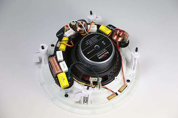 面板里藏着4单体 Audiolife HD3060嵌入式喇叭