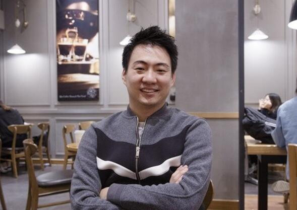 "KSV战队(前三星战队)的新任总经理Lee Ji-hoon和我们分享了他队伍加入这支新队伍的感想。韩国时间1月3日,在采访当中新任KSV战队总经理Lee Ji-hoon谈到了他即将迎来的新责任,""这是"