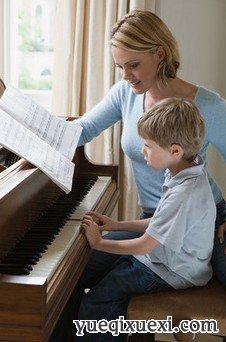 宝宝初学钢琴时应注意什么