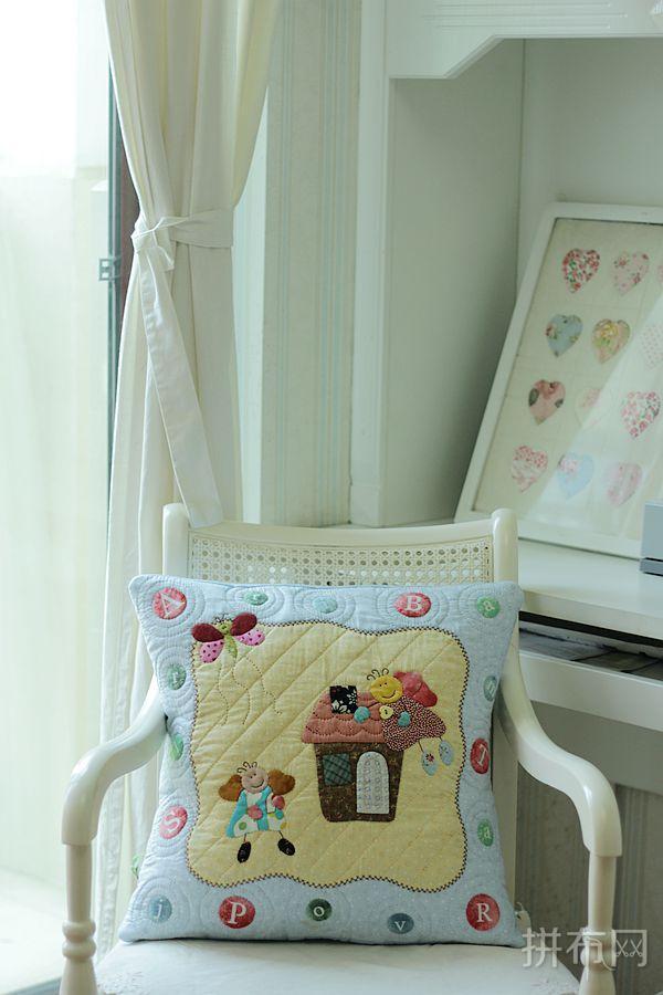 小手燕燕设计,自配色卡通抱枕
