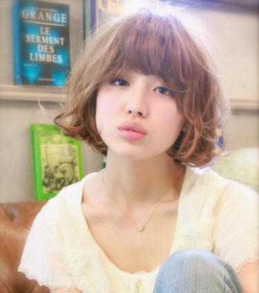 夏天+方脸适合什么样的发型呢?内扣发型最修颜(1)